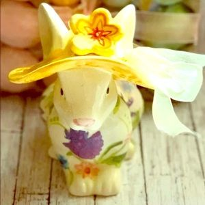 🐰farmhouse Easter floral  vintage rabbit🐰